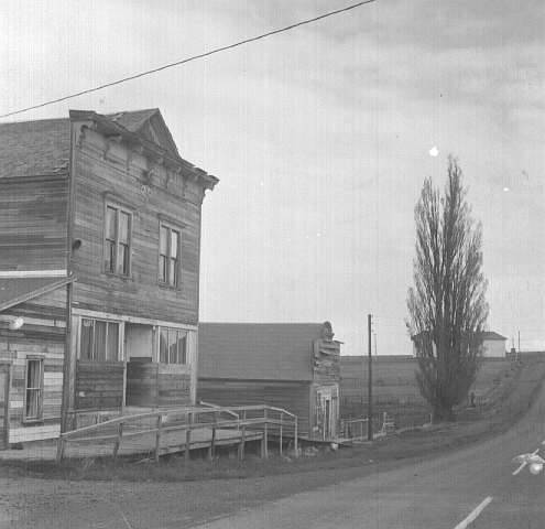 1960's picture of Hardman Post Office and general store