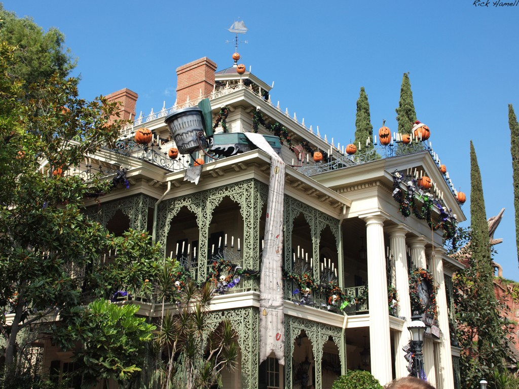 Halloween decorated mansion -